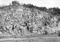 Granodioritový lom v Teletíně. Bazické uzavřeniny v granodioritu sázavského typu., Josef Svoboda, 1963