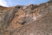 Záhoří - Proseč - detail sloupcovité odlučnosti bazaltů, Markéta Vajskebrová, 2003