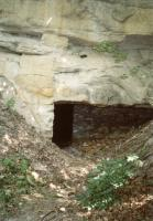 Vehlovické opuky - pohled na portál jeskyně, Přemysl Zelenka, 2003