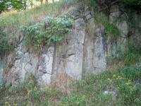 Sloupcovitá odlučnost vulkanitu na výchozech pod vrcholem Jelení hory, Bedřich Mlčoch, 2003