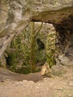 Kotýz - Aksamitová brána vzniklá propadnutím stropu původní jeskyně, Pavla Gürtlerová, 2009