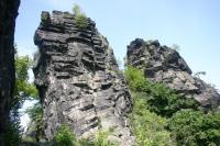 Sloupcovitá odlučnost bazaltoidů na skalách pod vrcholem Vrabince., Vladislav Rapprich, 2009