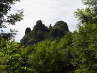 Několikanásobná vulkanická intruze s pozůstatky středověkého hradu, pohled od Babětína., Pavla Gürtlerová, 2009