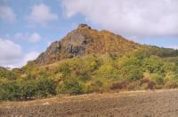 Pohled na polyfázovou přívodní dráhu třetihorního vulkanizmu - Košťálov od jihovýchod, Vladislav Rapprich, 2003