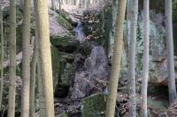 Travertinový vodopád v průrvě pískovců teplického souvrství., Stanislav Čech, 2010