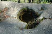 Pohled na skalní mísu na skalním útvaru Medůvka., Oldřich Krejčí, 2010