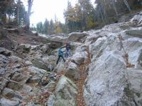 Vrcholová partie blokovobahenního proudu na sv. svahu Smědavské hory. Pohled do údolí Smědé., Štěpánka Mrázová, 2010
