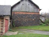 stodola postavená z hornin mrákotínského souvrství, Anon, 2008