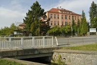 Centrum obce Prosetín u školy, využití kamene z místních lomů , dlažba, meliorace, plot školy, Anon, 2012