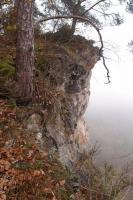 Vožky amfibolitů v mramorech  ve vrcholovývh partiích skalisek na vyhlídce nad Dyjí., Pavla Gürtlerová, 2014