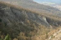 Hluboce zaříznutá rokle se skalními výchozy a srázy, významné stratigrafické profily spodním a středním devonem, paleontologické lokality., Motyčková Kamila - Šír Jiří, 2015