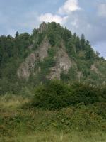 Výrazný skalní výchoz, tvořený znělcovou žilou., Motyčková Kamila - Šír Jiří, 2005