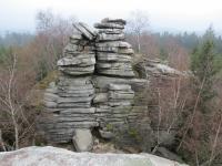 Celkový pohled na skalní výchoz Míchova skála s výskytem exfoliačních puklin., Kryštof Verner, 2012