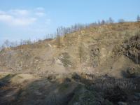 Lom s občasnou těžbou. Celkový pohled od jihu., Josef Večeřa, 2015