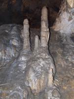 Rozsáhlý jeskynní systém Mladečských jeskyní v devonských vápencích (jasenské vápence), vytvořený ponornými vodami Hradečky a Rachavy ve třech patrech., Motyčková Kamila - Šír Jiří, 2007