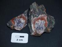 Ametystová geoda s červeným chalcedonovým okrajem v granodioritu., Tereza  Zemánková, 2016
