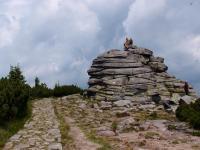 Menší skupina skal patřící do Dívčích skal., Markéta Vajskebrová, 2017