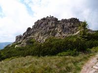 Pohled na skalní bloky Mužských kamenů vzniklé mrazovým zvětráváním., Markéta Vajskebrová, 2017