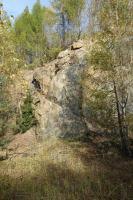 Opuštěný stěnový lom v lužickém granodioritu s doleritovou žílou, Pavla Gürtlerová, 2017