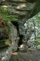 Soustava skalních srubů a izolovaných skalek erozí vymodelovaných v  amfibolitových horninách., Motyčková Kamila - Šír Jiří, 2006